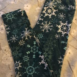 Lularoe one size snowflake leggings